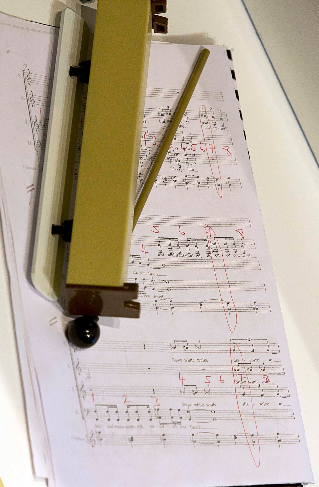 Music_Sheet_&_Instrument_0579Ae